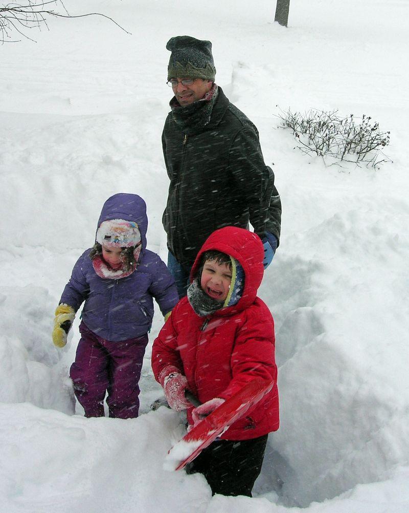 Thom kids snow